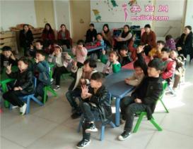 搞笑又活跃的亲子游戏幼儿园
