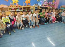 孩子不肯在幼儿园大便怎么办